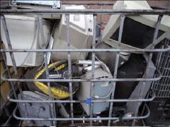 Desmontaje y recuperación de residuos de aparatos eléctricos y electrónicos